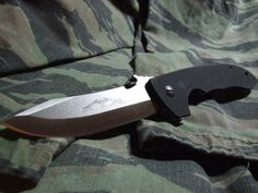 The CQC-8 model has long been considered one of the best combat designs that Emerson has ever produced.http://www.osograndeknives.com/store/catalog/tactical-folding-knives/emerson-cqc8-with-wave-black-ti-nitride-coated-blade-black-g-10-handle-plainedge-1864.html