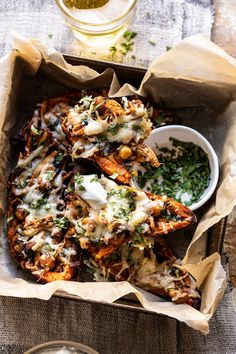 Kind of like cheesy nachos, but instead of chips, we're substituting crisp sweet potatoes skins.so delicious! Planning Menu, Sweet Potato Skins, Cooking Recipes, Healthy Recipes, Protein Recipes, Healthy Sweets, Clean Eating, Healthy Eating, Chipotle Chicken