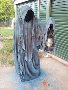 Monster Mud Reaper - Page 26 Halloween Prop, Soirée Halloween, Halloween Yard Decorations, Outdoor Halloween, Holidays Halloween, Diy Halloween Reaper, Halloween Yard Ideas, Dollar Tree Halloween Decor, Backyard Decorations
