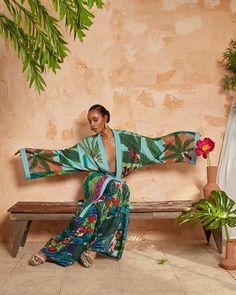 Kimono Fashion, Fashion Dresses, Tropical Fashion, Forever Unique, Beachwear Fashion, Fashion Prints, Fashion Design, Over 50 Womens Fashion, African Fashion