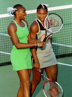 Venus and Serena Williams talk during the 1999 Fed Cup Serena Williams Photos, Serena Williams Tennis, Venus And Serena Williams, American Athletes, Female Athletes, West Palm Beach, Professional Tennis Players, Tennis World, Tennis Players Female