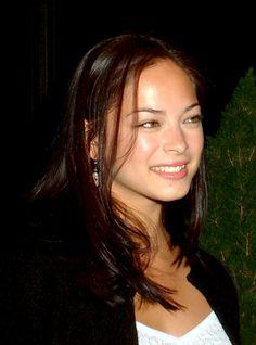 Kristin Kreuk Smallville, Lana Lang Smallville, George Reeves, Kristen Kreuk, Beautiful People, Beautiful Women, Canadian Actresses, Brunette Hair, Pretty Face