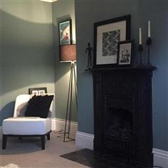 An inspirational image from Farrow and Ball- Oval Room Blue Farrow And Ball Living Room, My Living Room, Home And Living, Living Room Decor, Farrow And Ball Drawing Room Blue, Oval Room Blue, Blue Rooms, Dix Blue, Victorian Living Room