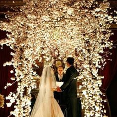 ZsaZsa Bellagio: Dreamy Ivory Wedding Inspirations