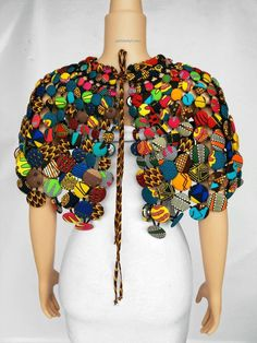 This absolutely beautiful necklace is made with carefully selected African prints and buttons, African Necklace, African Jewelry, Ethnic Jewelry, African Inspired Fashion, African Fashion, African Style, African Art, Best Costume Ever, African Accessories