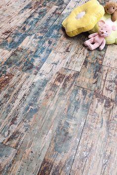 ¿Te encanta la sensación de la madera avejentada? La colección Caribbean te propone este precioso y elegante acabado en siete tonos diferentes, ideal para ambientes eclécticos y vintage que no dejará de sorprenderte su calidad y su sorprendente diseño. Black Powder Room, Caribbean, Sweet Home, Environment, Wood, Elegant, Interiors, House Beautiful