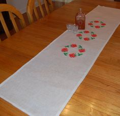 Table Runner Elegant Simple Roses Modern New and by embrant