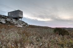 Cliff House / Mackay-Lyons Sweetapple Architects - Building with the Nature - Materiality - Stand alone