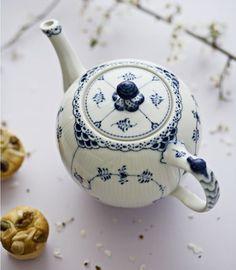 A gorgeous teapot