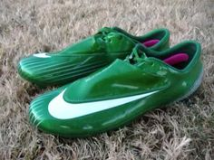 These are my new Mercurial Vapor IV pine green and metallic silver, I've used them a couple of times and all I can say is that they are badass I really like . Nike Vapor, Cleats, Metal, Google, Green, Shoes, Football Boots, Zapatos, Cleats Shoes