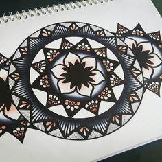 @laurie.charlotte_drawings 06.08.16 #mandala #mandalalovers #mandalaart #drawingart #drawing #copicmarker #chameleonpens #art
