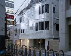 MeguroBuilding by SatoruIto Architects and Associates