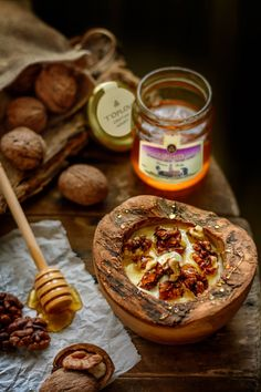 Cretan thyme honey Toplou. Taste the authentic honey.