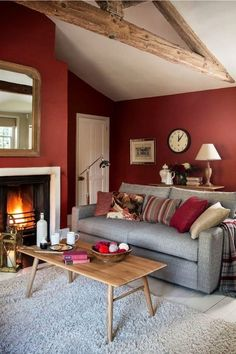 Grey And Red Living Room, Red Living Room Decor, Burgundy Living Room, Paint Colors For Living Room, Small Living Rooms, Interior Design Living Room, Cozy Living Room Warm, Red Interior Design, Bedroom Red