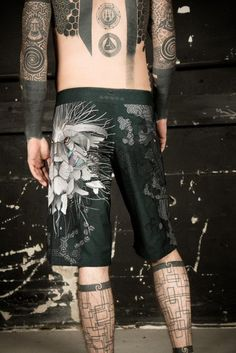 Mens Tattoo Festival Board Shorts and Surf Shorts with Cyberpunk Lion Print Beach Wear Jedi Outfit, Pixie Outfit, Festival Wear, Festival Fashion, Tattoo Festival, Alternative Men, Alternative Fashion, Dystopian Fashion, Surf Shorts