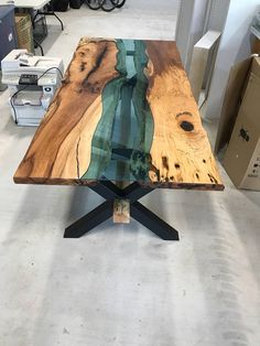 55 Amazing Epoxy Table Top Ideas You'll Love To Realize - Engineering Discover. - Nápady na nábytek - Epoxy Epoxy Table Top, Epoxy Wood Table, Slab Table, Resin Table, Wood Resin, Wooden Tables, Dining Table, Bancada Epoxy, Wood Table Design