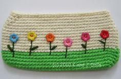Free cat schoolbag crochet pattern ~ Amigurumi crochet patterns ~ K and J Dolls / K and J Publishing