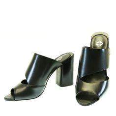 Sandália Tamanco Preta 4011116 Capodarte by Moselle | Moselle sapatos finos femininos! Moselle sua boutique online.