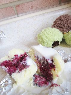 Violet's Silver Lining: Blackberry Coconut Cupcakes (Gluten-Free) (Lactose-Free) Recipe