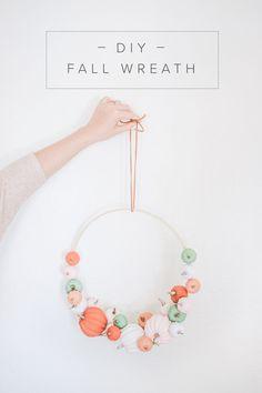 Diy Fall Wreath, Fall Leaf Garland, Fall Diy, Fall Wreaths, Modern Fall Decor, Fall Home Decor, Autumn Home, Diy Home Decor, Holiday Decor