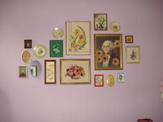 Gallery Wall of Flowers Happy-Go-Vintage HOUSE