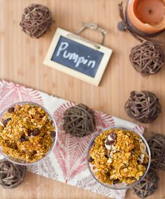Pumpkin Granola-Chocolate chips instead of raisins--yum! Pumpkin Granola, Pumpkin Pumpkin, Pumpkin Spice, Pumpkin Recipes, Fall Recipes, Snack Recipes, Pumpkin Delight, Tasty, Yummy Food