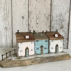 Seaside cottages #driftwood#driftwoodart #rustic #rusticart#littlehouse #littlecottage #shabbychic #shabbydaisies #seaside #seagulls #harbour #sand#sea#sun