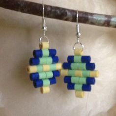 Quilling earrings, rolled paper