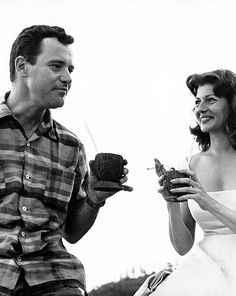 jack lemmon and rita hayworth on the set of fire down below