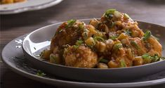 Cauliflower ragout by Greek chef Akis Petretzikis. An amazing vegan stew made with cauliflower, potatoes, onions, cinnamon and cloves that you will love! Greek Recipes, Veggie Recipes, Cooking Recipes, Healthy Recipes, Veggie Food, Vegan Stew, Cooking Time, Onion, Curry
