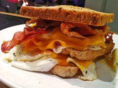 Triple-Egg Tower, ein tolles Rezept aus der Kategorie Snacks und kleine Gerichte. Bewertungen: 7. Durchschnitt: Ø 4,1.