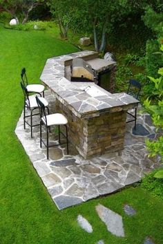 BBQ built in and backyard bar. Must have this on my backyard patio. Backyard Bar, Backyard Landscaping, Patio Bar, Backyard Kitchen, Bbq Kitchen, Kitchen Bars, Kitchen Modern, Sloped Backyard, Basement Kitchen