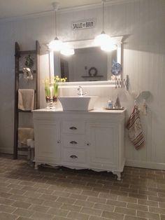 My bathroom  By @villatverrteigen