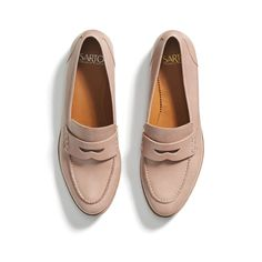 Comfy shoes for fall, would look great with boyfriend jeans... 2017 Fall Trends