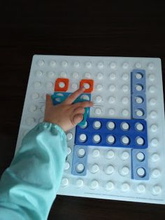 Apego, Literatura y Materiales respetuosos: Anna Laura juega (y aprende matemáticas) con...Numicon