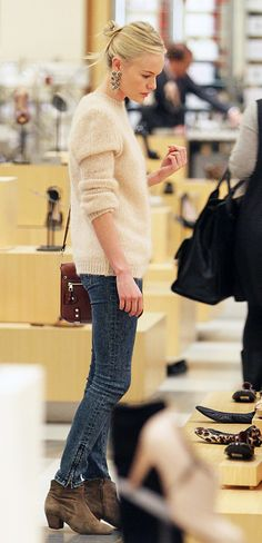 Kate Bosworth does simple so well! She looked chic + effortless while shopping at Barneys in Beverly Hills.  What Kate is wearing: Bag: Proenza Schouler / Boots: Isabel Marant  ph: Splash News