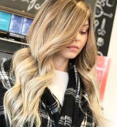 Perfect blond  blend! Courtesy of @brebloveshair #balayage #hairpainting #fashion #longhairdontcare #olapelex #wellahair #waves #trending #smallbusiness