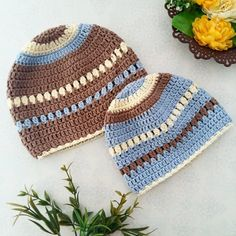 Yet another hattie using the same colors but in a different order! Who wants a pattern for this? Yar