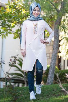 Modest Wear, Chiffon Tops, Womens Fashion, How To Wear, Women's Fashion, Woman Fashion, Fashion Women, Feminine Fashion, Moda Femenina