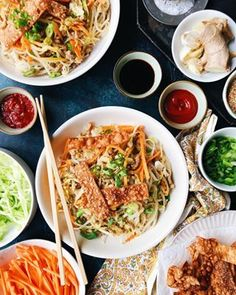 These Pork Egg Roll Noodle Bowls are on the blog today and they're a super quick and delicious weeknight meal option for ya. They're basically a deconstructed egg roll in a bowl. Link in profile! Pork Egg Rolls, Kalua Pork, Beef Empanadas, Noodle Bowls, Weeknight Meals, Japchae, Noodles, Eggs, Terry Allen
