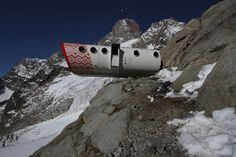 BIVACCO GERVASUTTI Mont Blanc, Italy Though Bivacco Gervasutti seems to rest precariously at feet above sea level, this capsule hot. Unusual Hotels, Small Hotels, Capsule Hotel, Italy Spain, Zermatt, Mountain Resort, Sea Level, To Reach, In The Tree