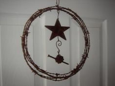 Rusty barb wire Wreath - JUNKMARKET Style