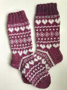 Rakkautta ja piikkilankaa -sukat Fair Isle Knitting Patterns, Warm Socks, Slipper Socks, Drops Design, Knit Or Crochet, Knitting Socks, Mittens, Christmas Stockings, Socks