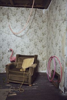 Movers and Shakers: I'm totally in love with Elena Mora's set and styling.