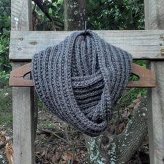 Gola de trico / tricot Loom Knitting, Knit Crochet, Baby, Crafts, Fashion, Long Scarf, Knitting And Crocheting, Diy, Craft