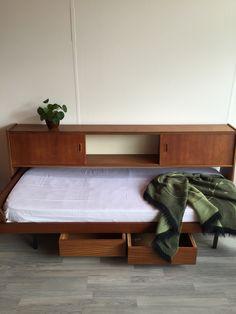 Vintage daybed met kabinet | teak | Deens | jaren 60 |