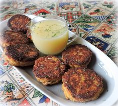 The English Kitchen: Lemon Sauced Salmon Cakes Conch Fritters, Canned Salmon Recipes, English Kitchens, Salmon Cakes, Lemon Sauce, Salmon Burgers, Suppers, Seafood, Brunch