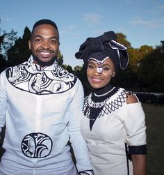 The best wedding white clothes for cute couples in Africa. African Wedding Attire, African Attire, African Wear, African Women, African Dress, African Fashion Traditional, African Traditional Wedding, African Print Fashion, Xhosa Attire