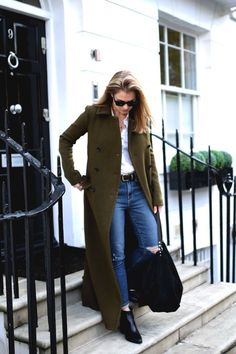 I'm wearing a long khaki military coat by Theory with a white shirt by Maison Standards, jeans by Paige and ankle boots by MICHAEL Michael Kors. Look Fashion, Trendy Fashion, Winter Fashion, Womens Fashion, Fashion Trends, Trendy Style, Fashion Ideas, Mode Outfits, Casual Outfits