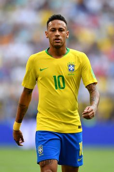 Neymar JR Photos - Neymar Jr of Brazil looks on during the 2018 FIFA World Cup Russia Round of 16 match between Brazil and Mexico at Samara Arena on July 2018 in Samara, Russia. Mexico: Round of 16 - 2018 FIFA World Cup Russia Neymar Jr, Neymar Football, Neymar Brazil, Nu'est Jr, World Cup Russia 2018, Best Player, Fifa World Cup, Sexy Men, Soccer